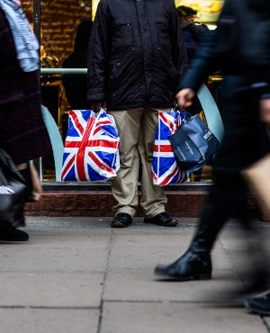 UK economy wilts as Brexit jitters hit business investment